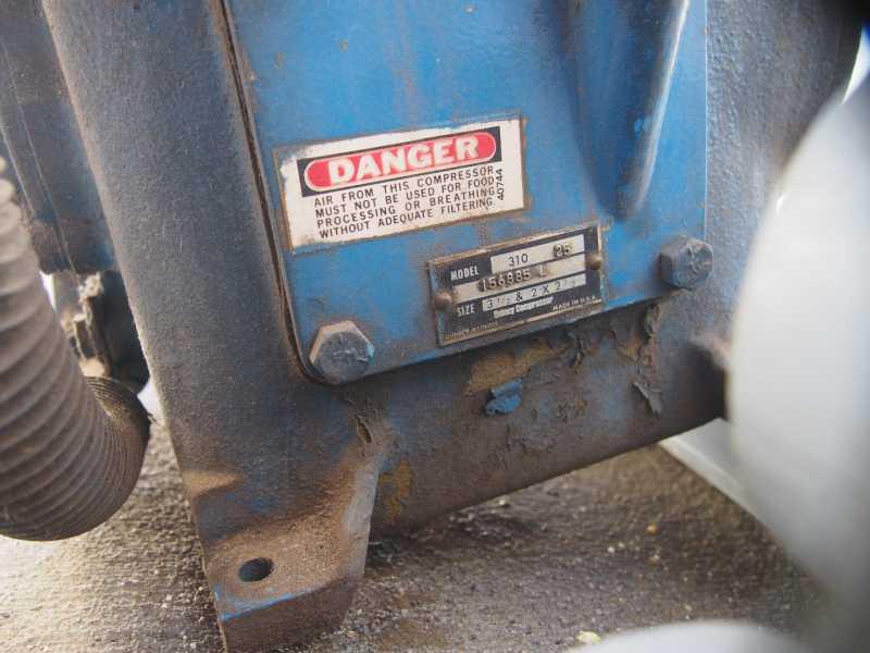 D/&D PowerDrive 3832 Quincy Compressor Replacement Belt 74 Length Rubber